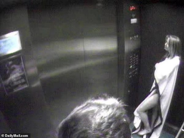 Горячая любовь в лифте - В Сеть слили снимки Эмбер Херд и Илона Маска