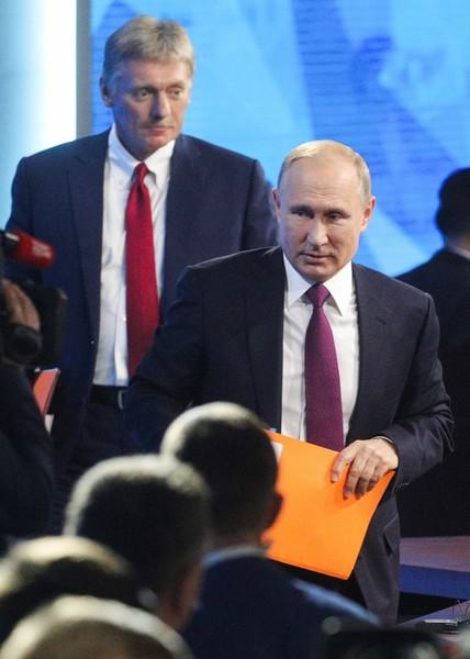 Тревожные новости из Кремля - Песков подтвердил случай заражения в управлении президента