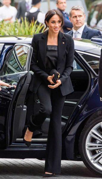 Только этого королеве не хватало - Том Круз поставил ультиматум Меган Маркл