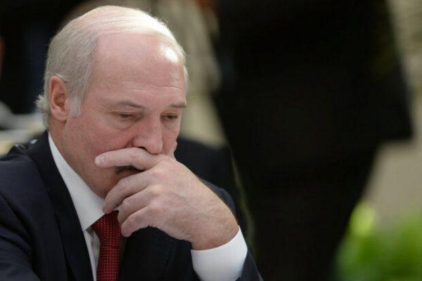 У Лукашенко подозревают коронавирус - Потерял сознание и перенес пресс-конференцию