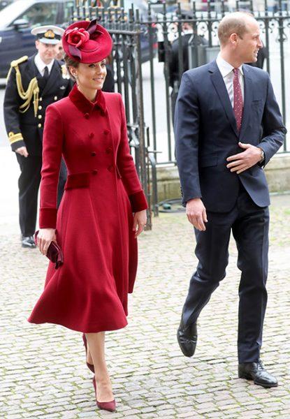 Холодная встреча Кембриджей и Сассексов и прощальная резкость королевы