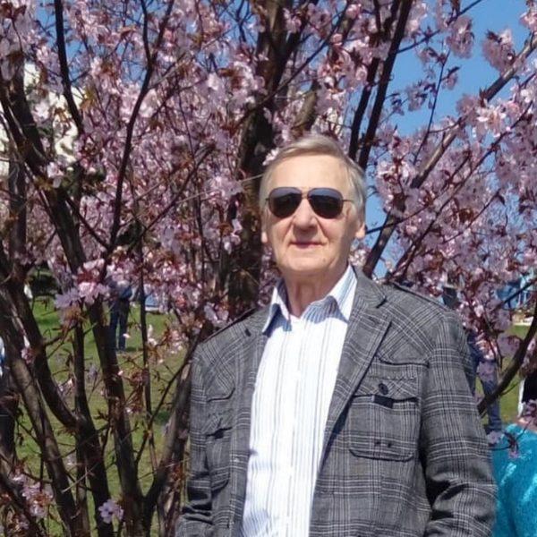 """""""Дочь есть дочь"""" - Кристина Орбакайте финансово поддерживает замечательного папу-пенсионера"""