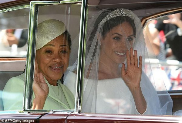 """Меган запрещают видеться с мамой: """"Герцогиня раздавлена"""""""