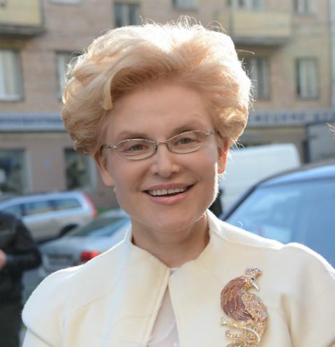 Королева конфуза - Елена Малышева перепутала Лободу с мужчиной