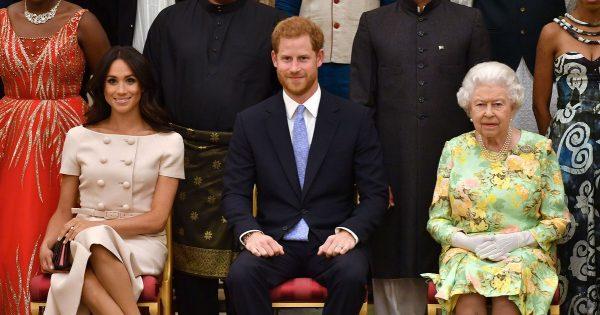 Проснулась в нем, наконец, королевская кровь - Принц Гарри запретил жене издеваться над его бабушкой
