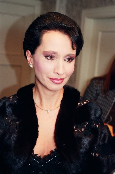 В Сеть попали снимки Ирины Аллегровой без парика