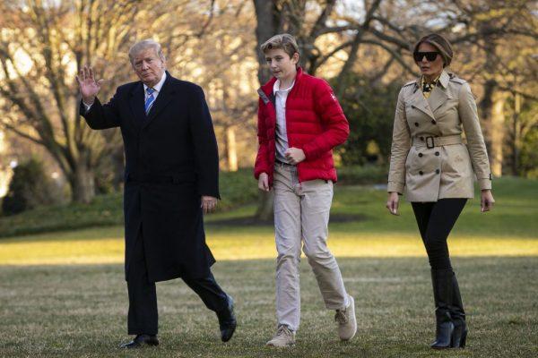"""""""Он не очень счастлив"""" - Дональд Трамп озадачил высказыванием о сыне Бэрроне"""