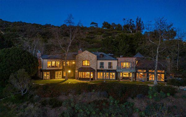 """""""Влюбились с первого взгляда"""" - Меган Маркл и принц Гарри купили особняк Мела Гибсона (фотографии)"""