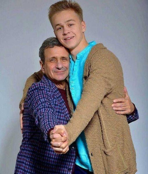 """Красавец-сын звезды """"Моей прекрасной няни"""" встречается с дочкой Этери Тутберидзе"""