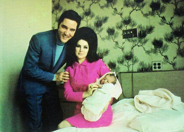 Как отец Элвиса Пресли комментировал странные отношения сына с супругой