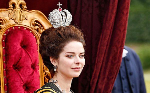 Неужели можно перепутать Марину Александрову и Наташу Королеву