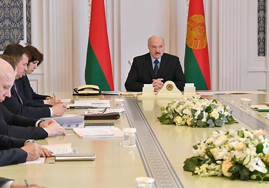 "Лукашенко не станет отменять парад: ""Скажут, что испугались"""