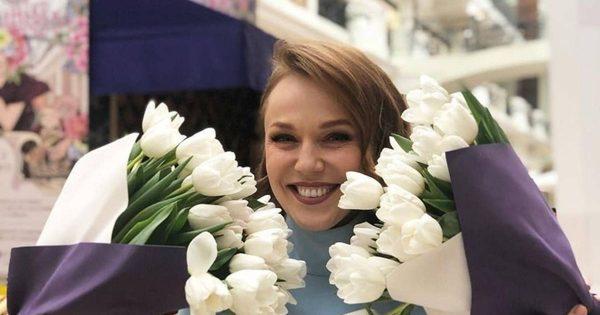 Миллион веток сирени: Валерий Меладзе утопил жену в охапках цветов
