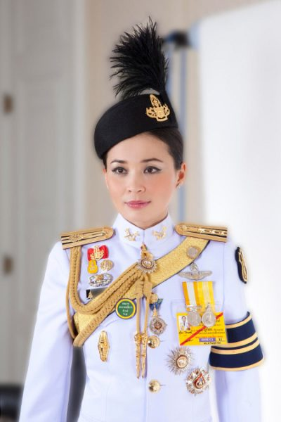 Где находится король Тайланда и почему он погубил свою любимую фаворитку