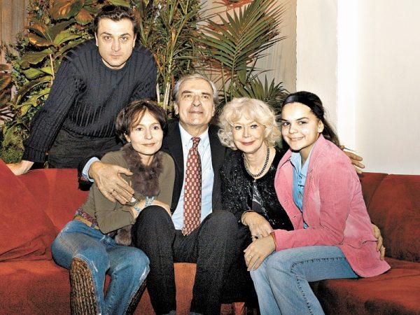 Как Светлана Немоляева разбила любовь сына к Амалии Мордвиновой