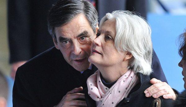 Экс-премьер Франции получил реальный тюремный срок за фиктивное трудоустройство жены