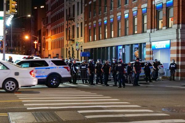Как вовремя был убит афроамериканец - забыто все: Требования ареста Билла Гейтса, Обамагейт и ложная пандемия