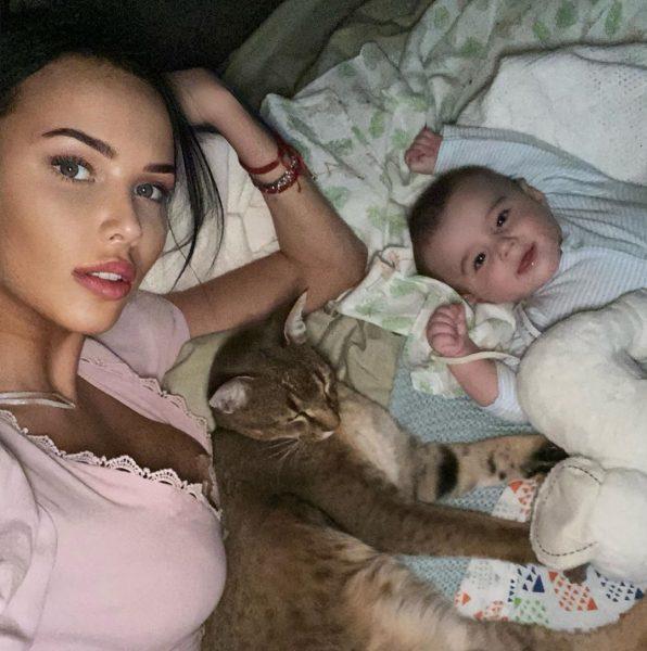 Помудрела - Анастасия Решетова заявила, что больше никогда не будет делать прививки сыну