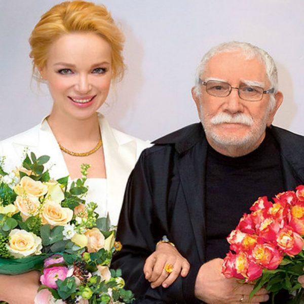 """Мой муж говорил: """"Будем отстреливаться"""" - Виталина Цымбалюк отправила хейтеров.. на голосование"""