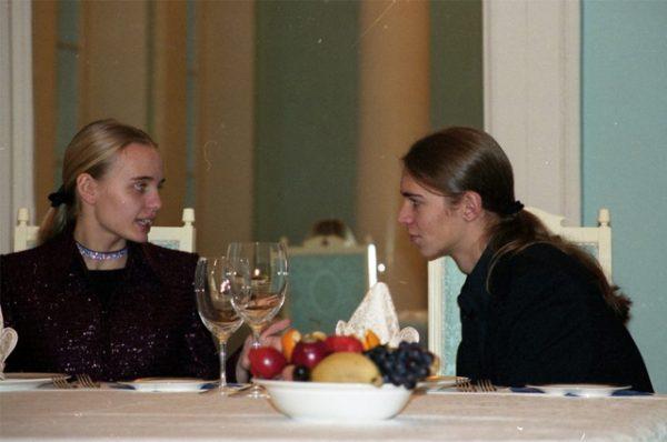 В Сеть слили ранее неизвестные фото дочерей Владимира Путина