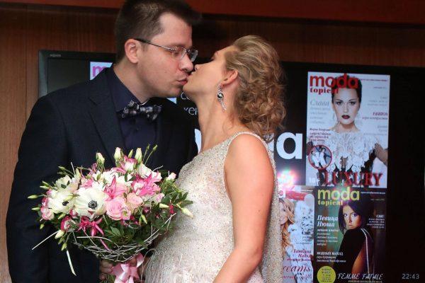 Никто не ожидал от заслуженного юриста - Кучерена нагло поддержал ложь Асмус и Харламова о разводе