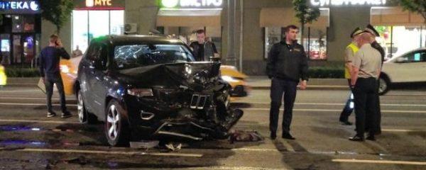 Пьяный Ефремов за рулем убил человека, ему грозит 7 лет - фото и видео