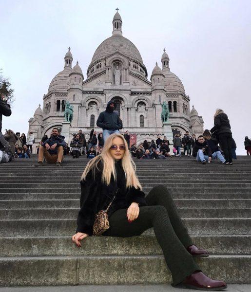 «Меня обвиняют в ношении бриллиантов, а я в сережках из HM за €3…»: Лиза Пескова о хейтерах, карантине и отце