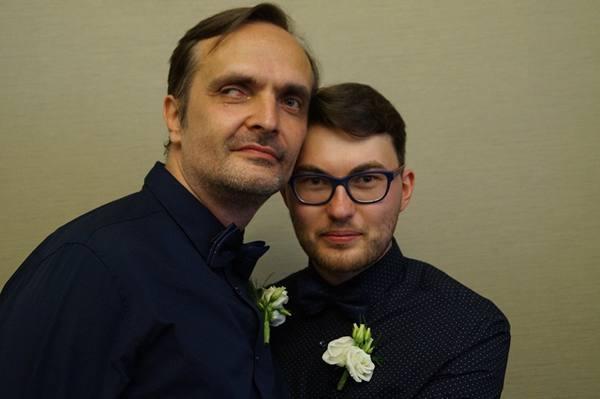 Первый однополый брак в России: как обошли закон?