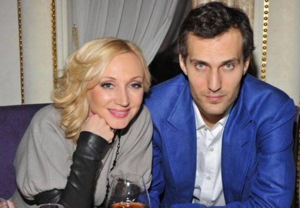 Муж Кристины Орбакайте в женской кофте с поросятами развеселил пользователей