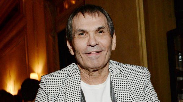 Бари Алибасов на вечере памяти музыканта Александра Барыкина