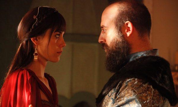 Джансу Дере - одна из самых успешных турецких актрис