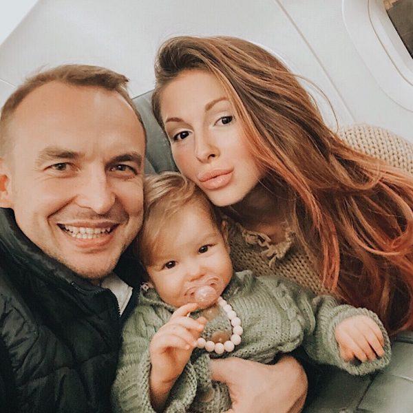 Игорь Сивов с Нюшей и дочкой