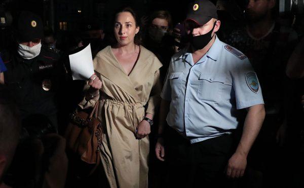 Адвокаты Ефремова решили не общаться с журналистами