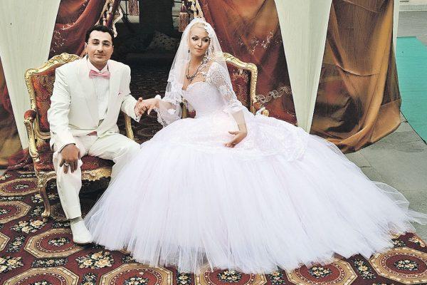 Анастасия Волочкова и Игорь Вдовин устроили празднество в Екатерининском дворце