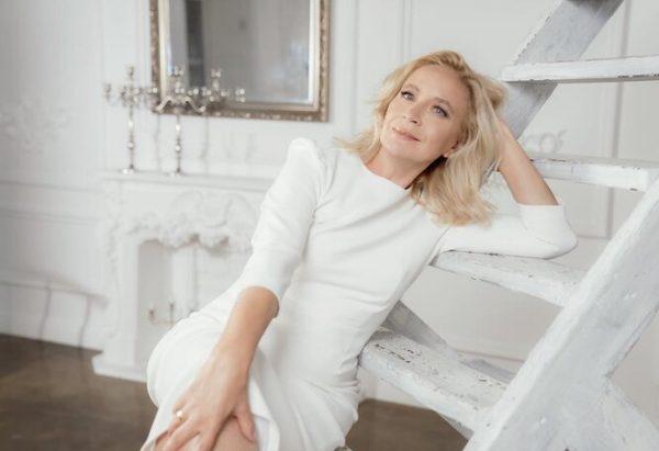 Дмитрий Исхаков снимает тещу - Хочет сделать из нее профессиональную модель