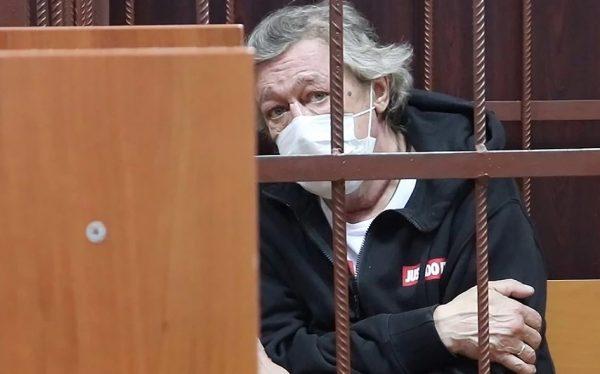 С Ефремова требуют астрономическую сумму компенсации, какая в судебной практике РФ еще не крутилась - сказал адвокат