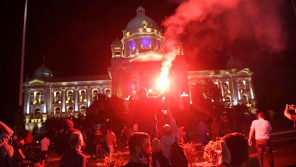 Штурм здания парламента в Сербии