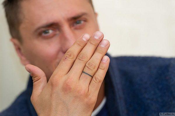 Павел Прилучный набил тату в знак любви к жене еще год назад