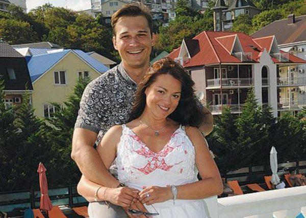 Илья Оболонков и Наталья Громушкина на отдыхе
