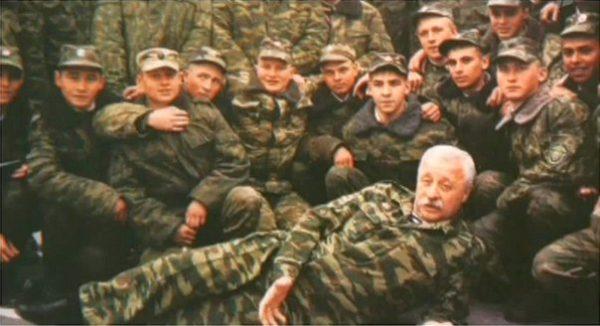 Леонид Якубович с бойцами в Чечне