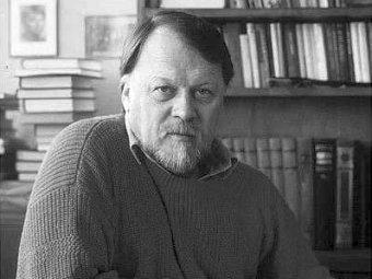 Михаил Рощин умер