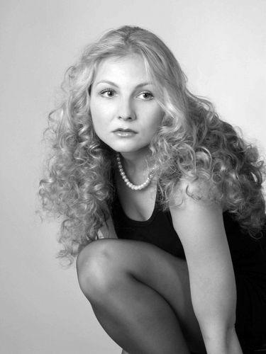 И он туда же - 45-летний Виктор Логинов (Гена Букин) женится на юной девице