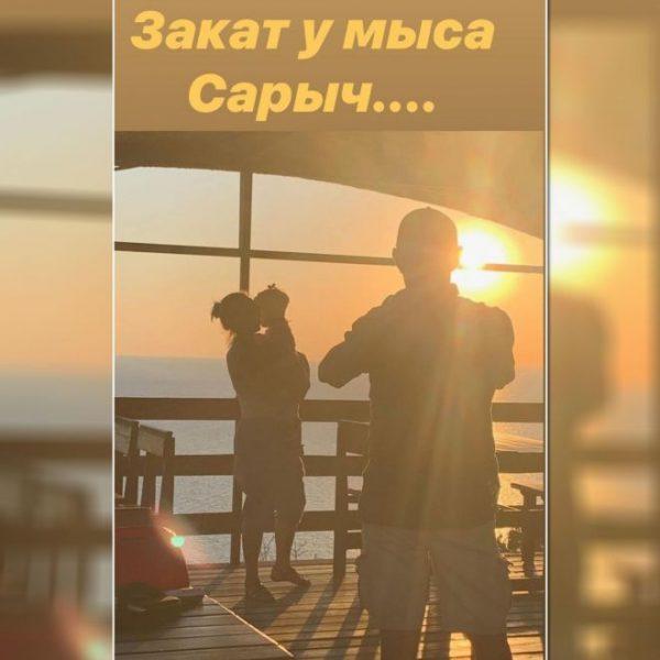 Константин Хабенский, Ольга Литвинова с младшей дочкой,