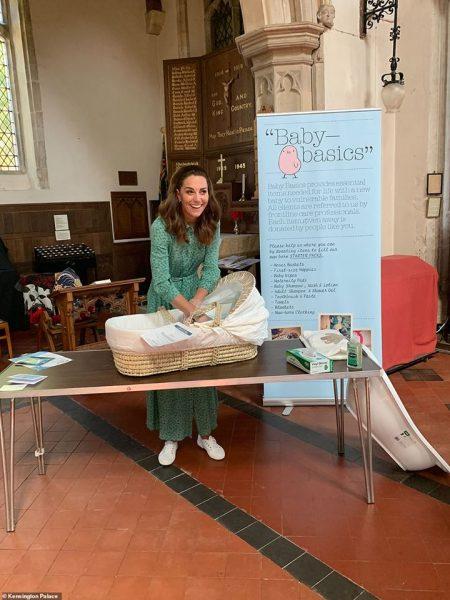 В мае герцогиня Кембриджская посетила Baby Basics West Norfolk