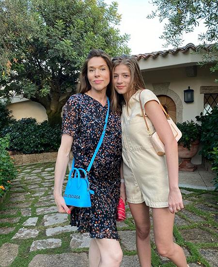 Александра Новикова с мамой