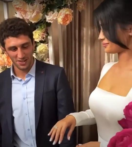 Заурбек Сидаков с невестой