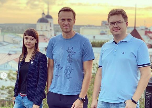 Алексей Навальный - здоровый и довольный - был вчера в Томске