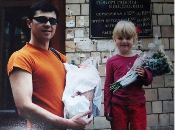 Сергей Бодров с детьми - Олей и Сашей