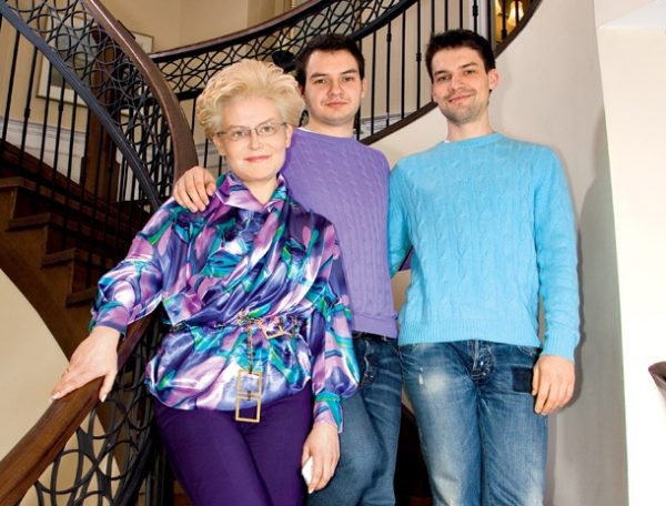 Елене Малышевой запрещают вернутся в Россию