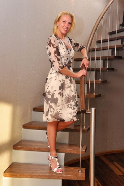 Ирина Лобачева, Чемпионка мира 2002 г., чемпионка Европы 2003 г., чемпионка России (1997, 2000—2002), заслуженный мастер спорта России